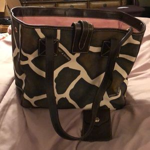 Almost new giraffe print Dooney and Bourne bag